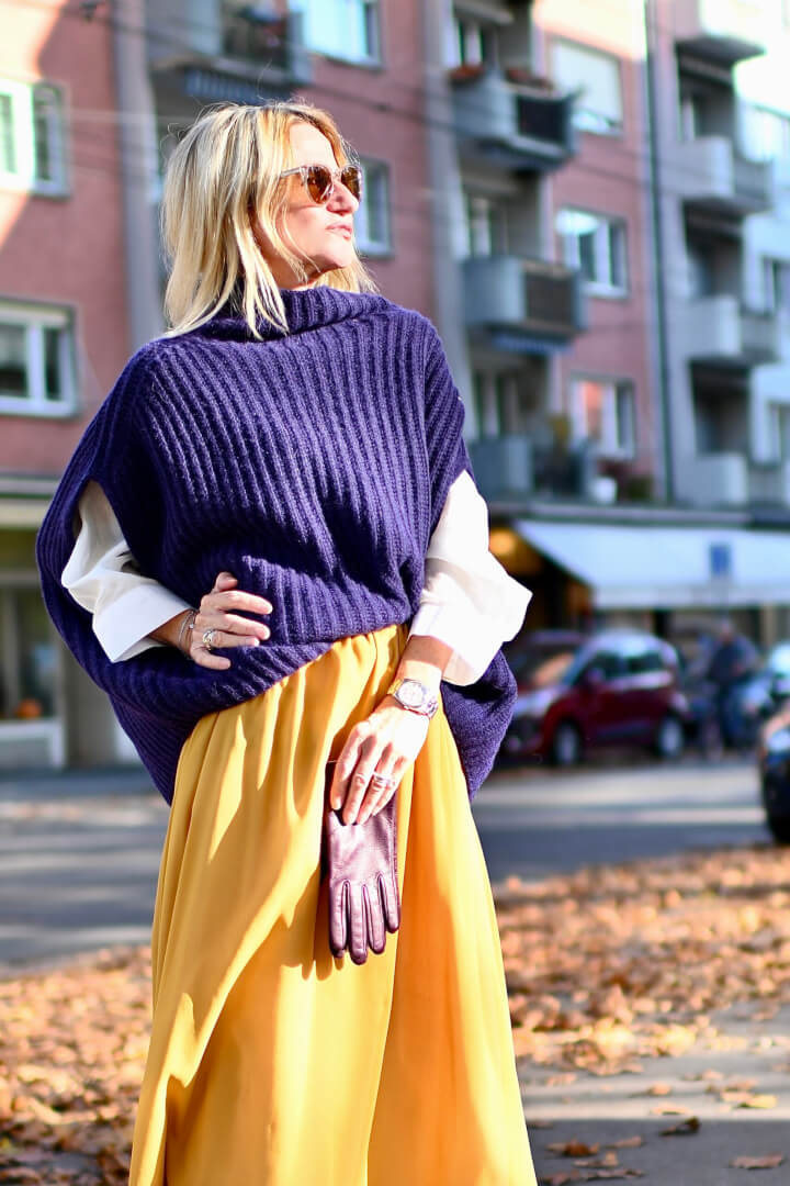 4 Ways to Style 1 Skirt Completely Differently