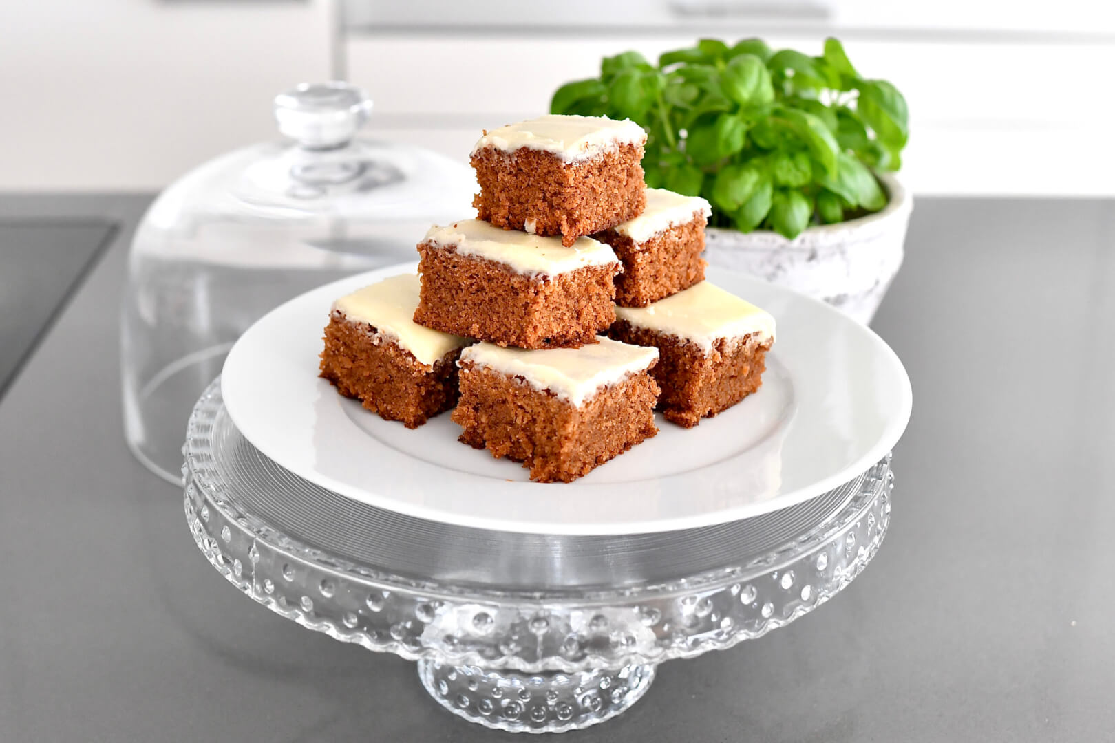 Ginger cake - only 15 minutes preparation time!